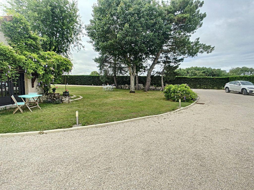 Maison à vendre 5 159m2 à Chémery vignette-12
