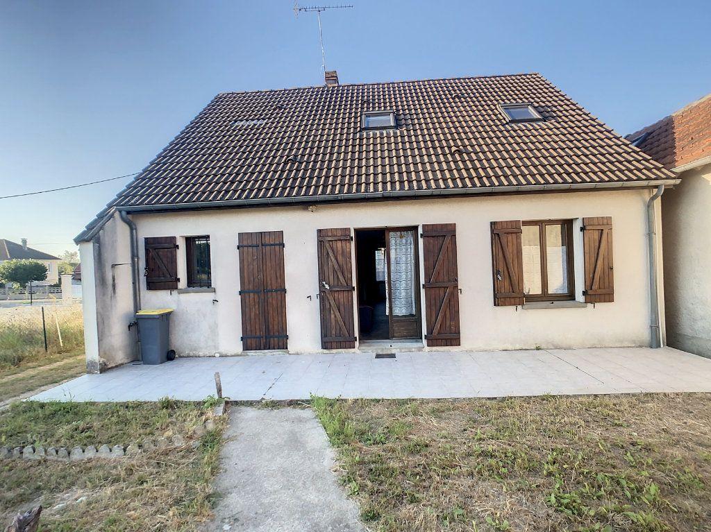 Maison à vendre 5 106m2 à Chabris vignette-1