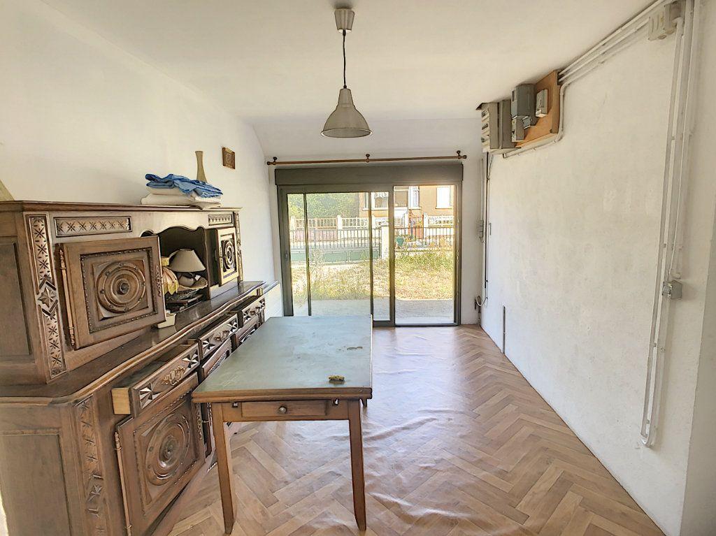 Maison à vendre 5 106m2 à Chabris vignette-3