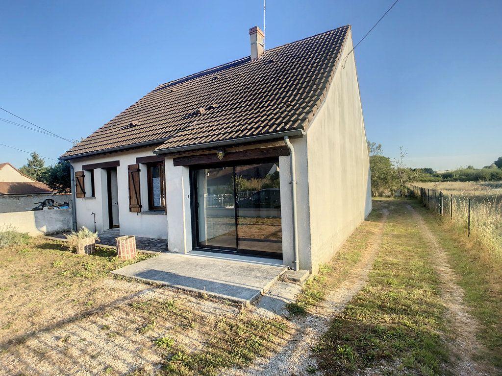 Maison à vendre 5 106m2 à Chabris vignette-4