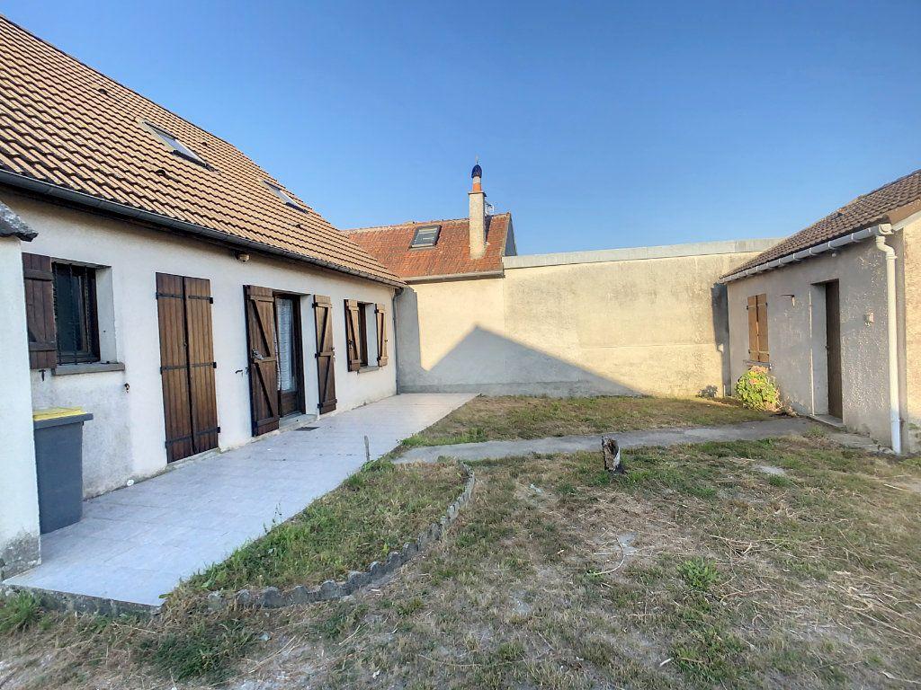 Maison à vendre 5 106m2 à Chabris vignette-17