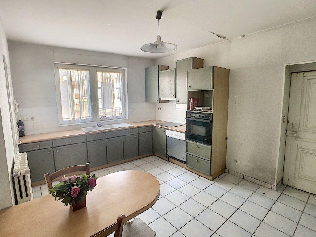 Maison à vendre 9 238.69m2 à Romorantin-Lanthenay vignette-2
