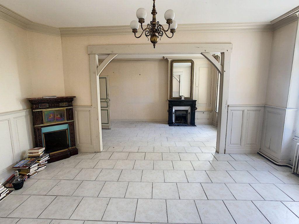 Maison à vendre 9 238.69m2 à Romorantin-Lanthenay vignette-3