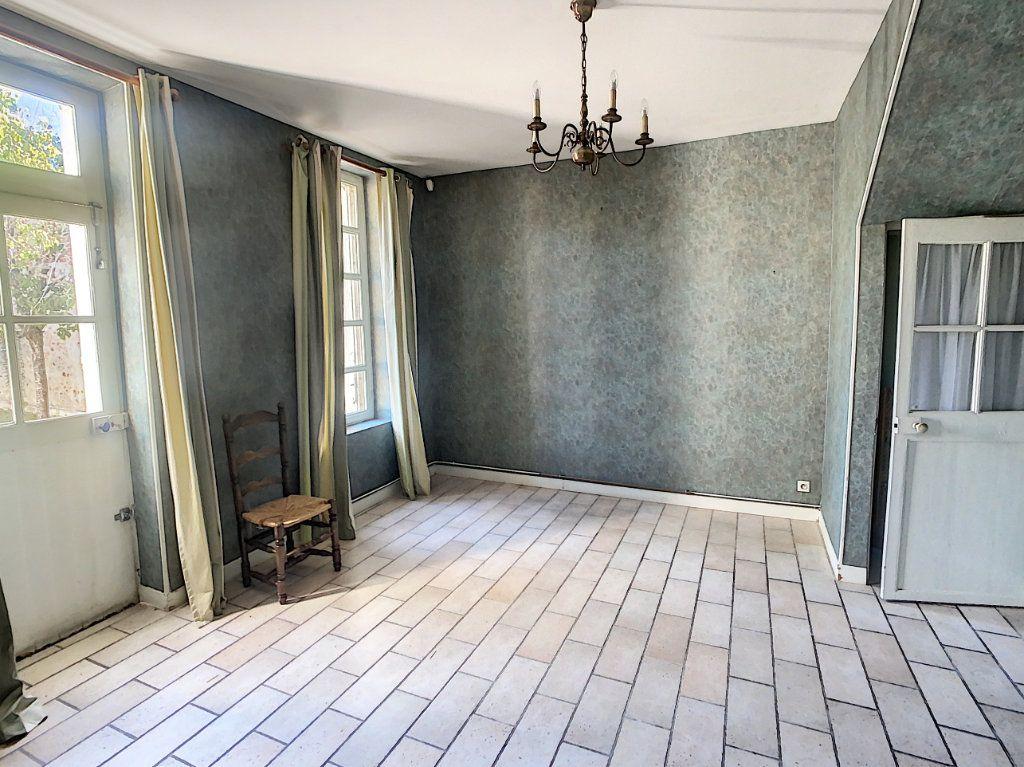Maison à vendre 9 238.69m2 à Romorantin-Lanthenay vignette-4