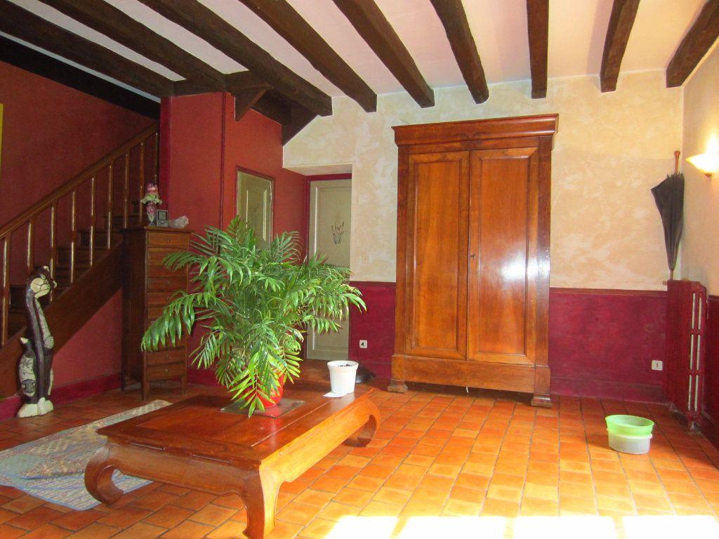 Maison à vendre 7 274.4m2 à Valençay vignette-4