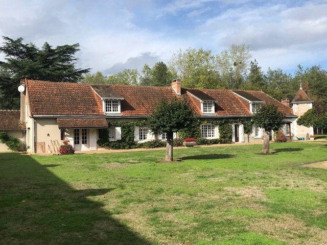 Maison à vendre 11 376.4m2 à Pruniers-en-Sologne vignette-1