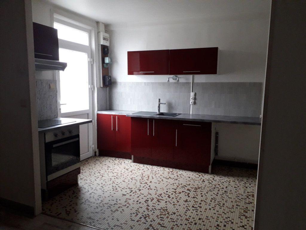 Maison à vendre 4 130.5m2 à Romorantin-Lanthenay vignette-1