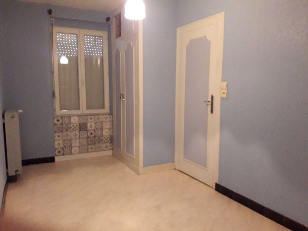 Maison à vendre 4 130.5m2 à Romorantin-Lanthenay vignette-2