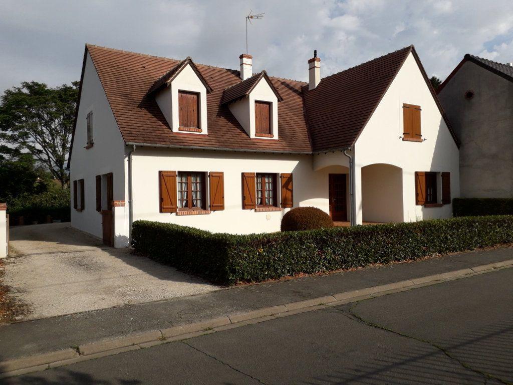 Maison à vendre 5 214.09m2 à Romorantin-Lanthenay vignette-1