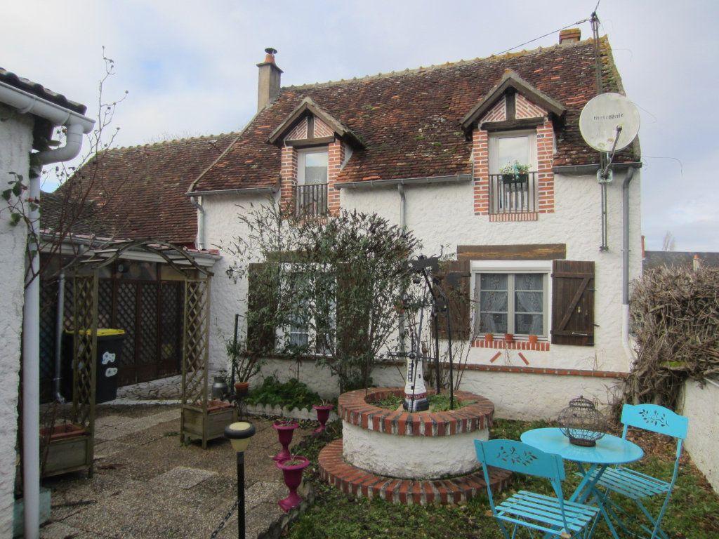 Maison à vendre 5 128.97m2 à Gièvres vignette-1
