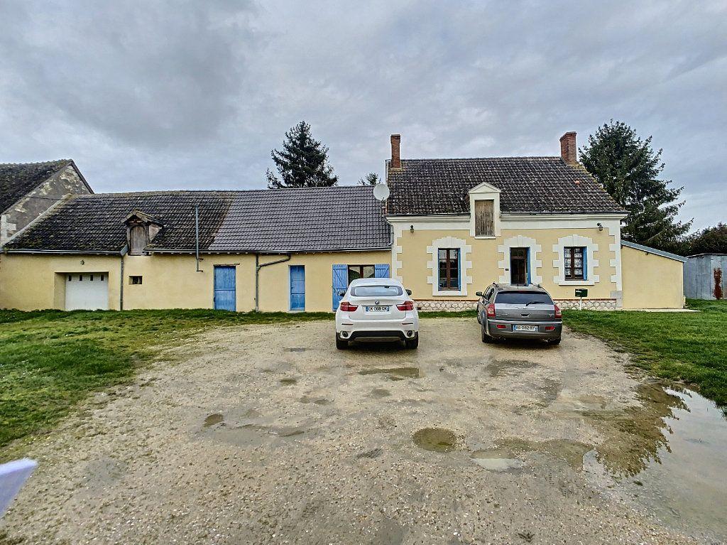 Maison à vendre 4 135.9m2 à Valençay vignette-1
