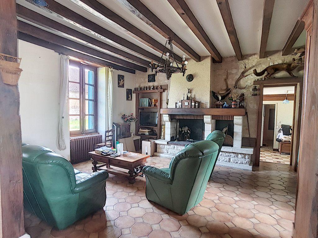 Maison à vendre 4 135.9m2 à Valençay vignette-4