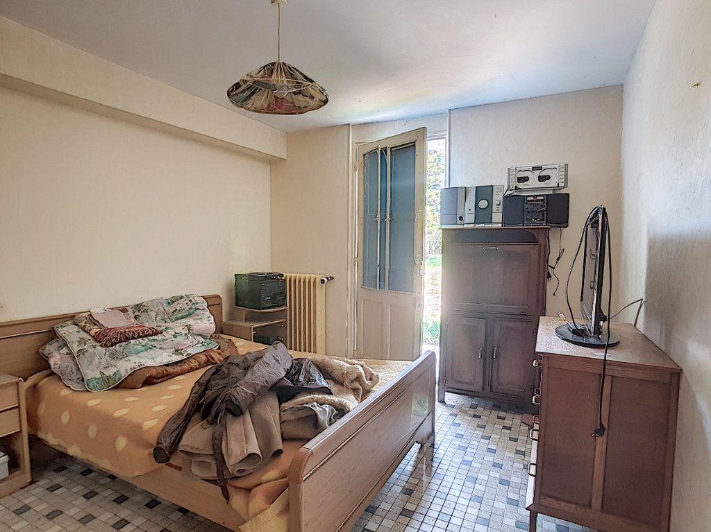 Maison à vendre 4 135.9m2 à Valençay vignette-10