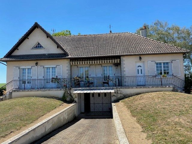 Maison à vendre 4 124m2 à Anjouin vignette-1