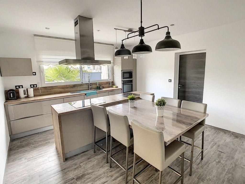 Maison à vendre 8 192.8m2 à Romorantin-Lanthenay vignette-4