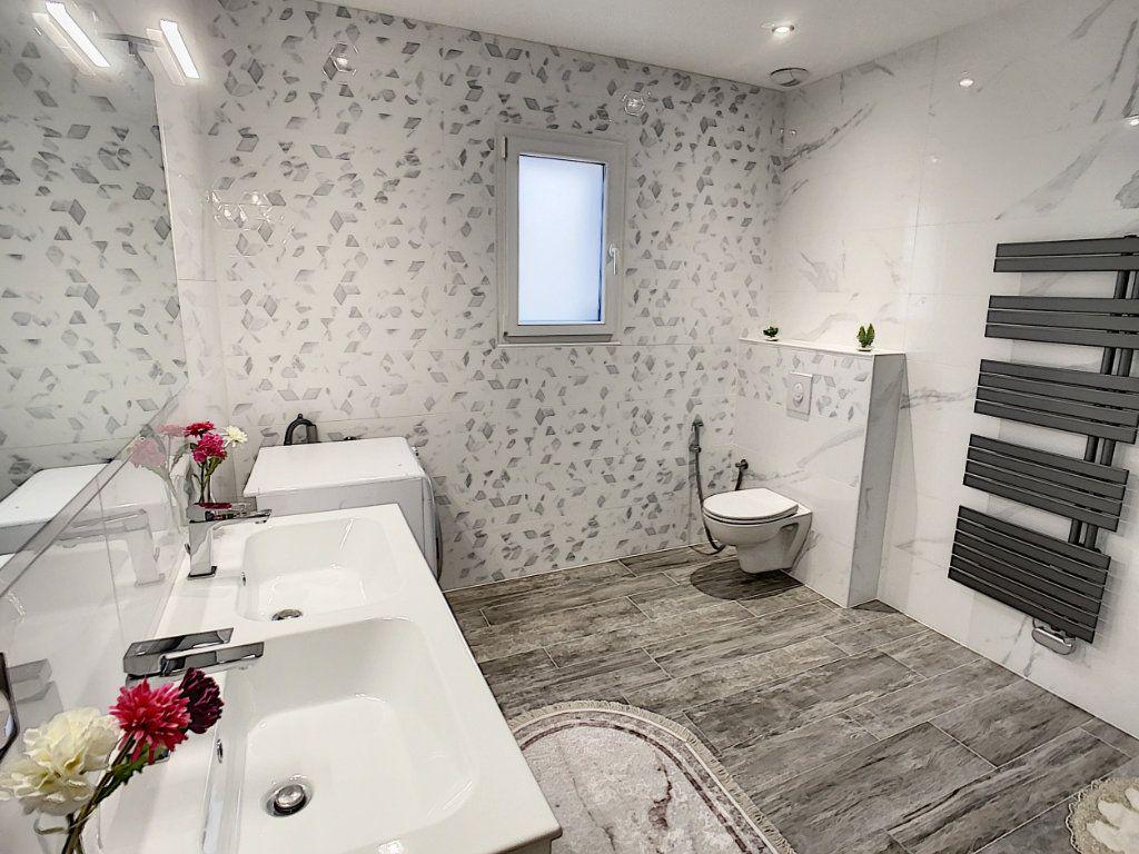 Maison à vendre 8 192.8m2 à Romorantin-Lanthenay vignette-12