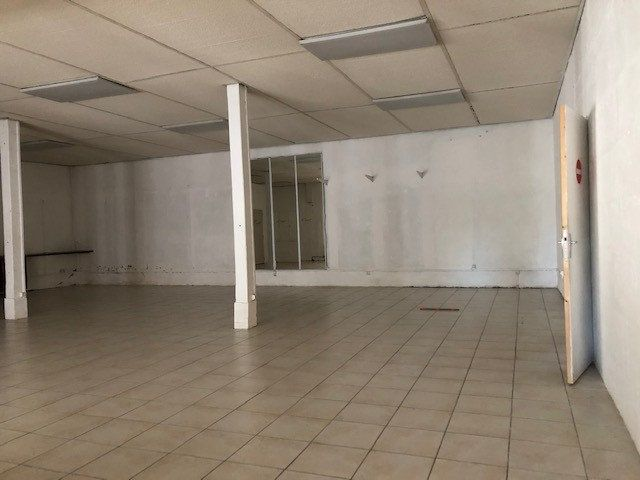 Immeuble à vendre 0 660m2 à Romorantin-Lanthenay vignette-3