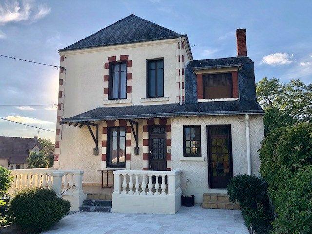 Maison à vendre 7 192m2 à Graçay vignette-1