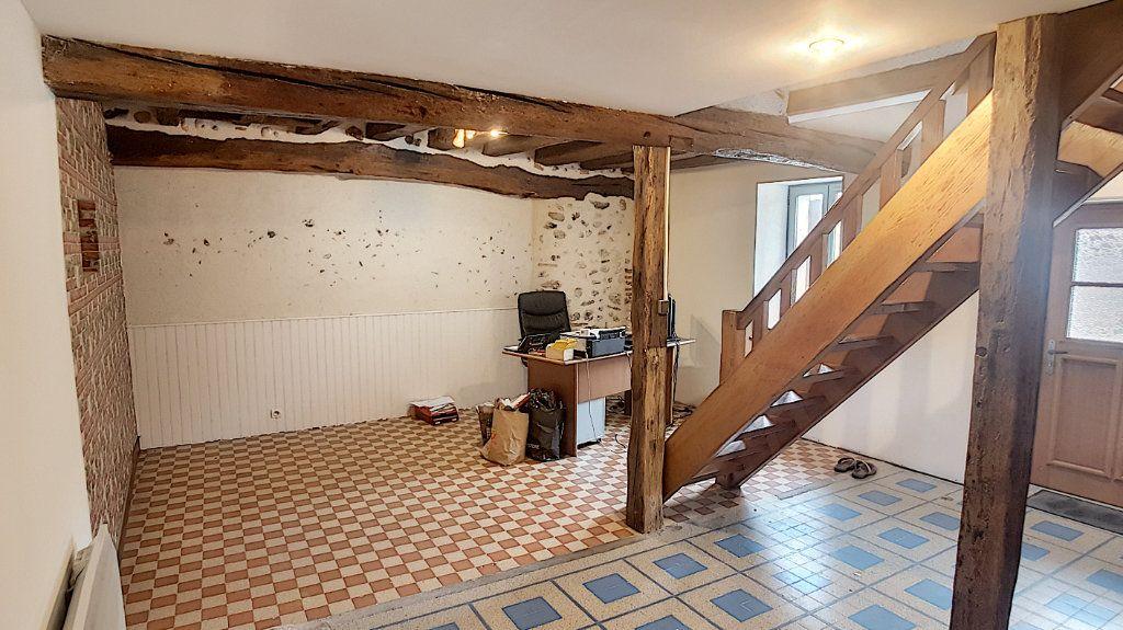 Maison à vendre 5 151.62m2 à Saint-Julien-sur-Cher vignette-4