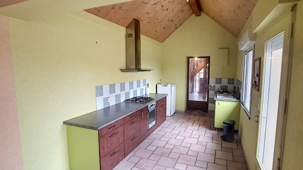Maison à vendre 5 151.62m2 à Saint-Julien-sur-Cher vignette-5