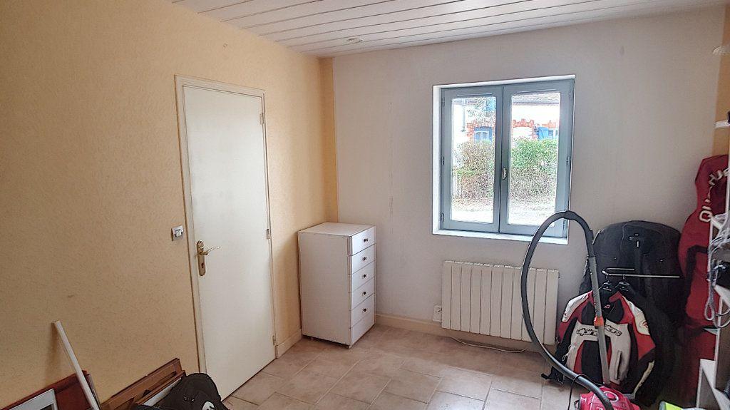 Maison à vendre 5 151.62m2 à Saint-Julien-sur-Cher vignette-10