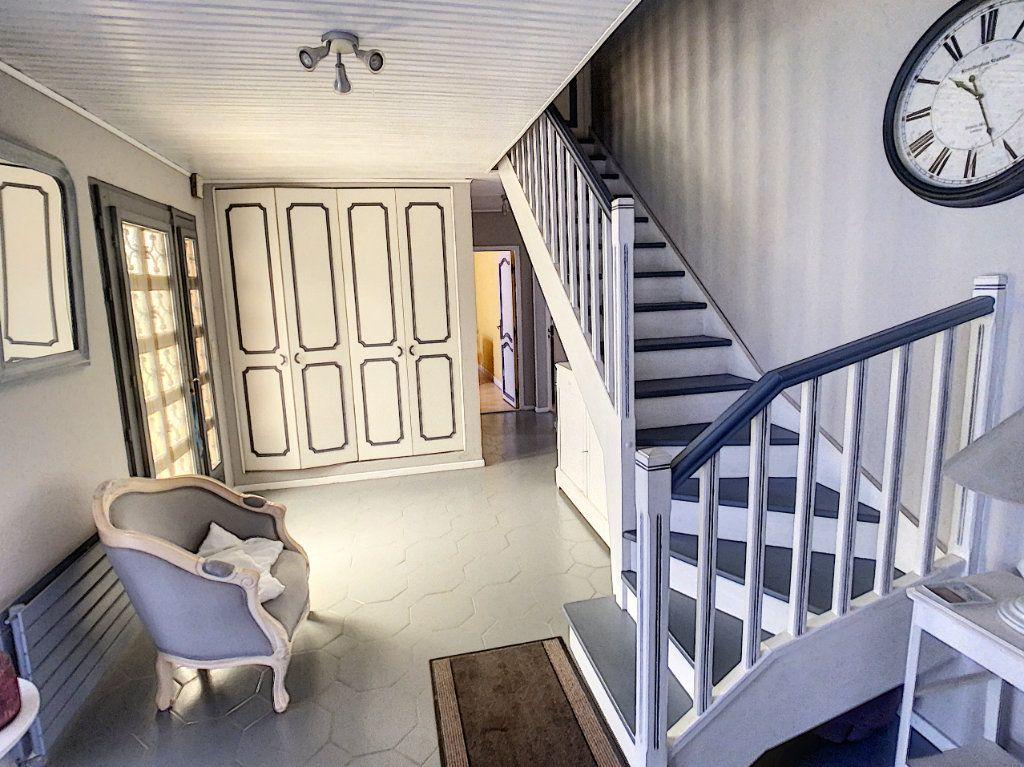 Maison à vendre 8 196m2 à Chémery vignette-6