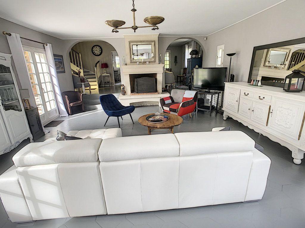 Maison à vendre 8 196m2 à Chémery vignette-8