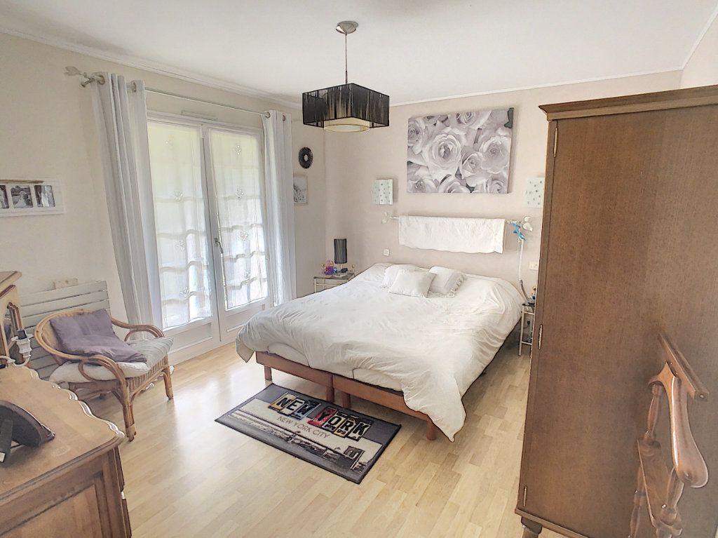 Maison à vendre 8 196m2 à Chémery vignette-9