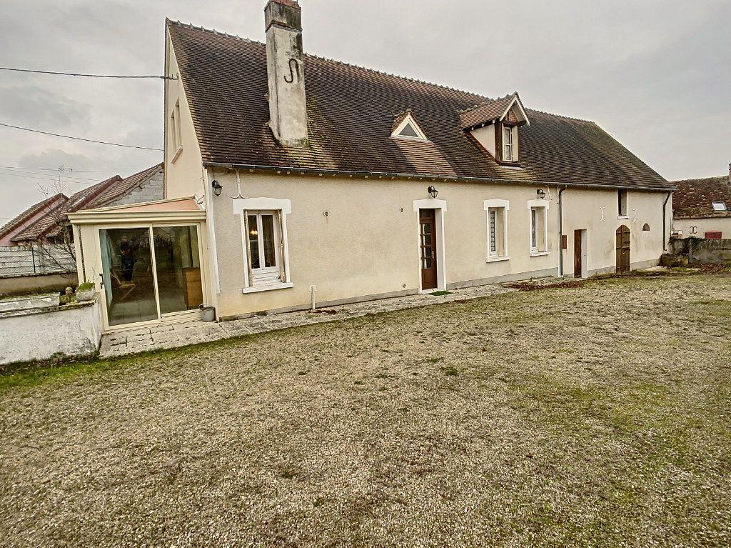 Maison à vendre 4 120m2 à La Chapelle-Montmartin vignette-2