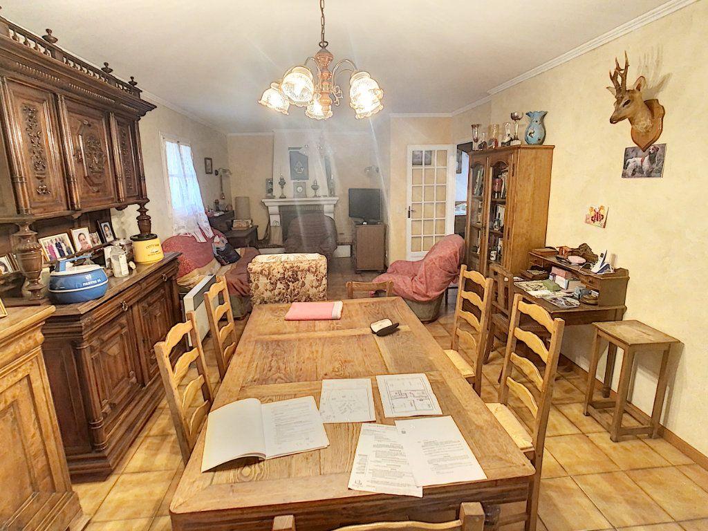 Maison à vendre 4 120m2 à La Chapelle-Montmartin vignette-10