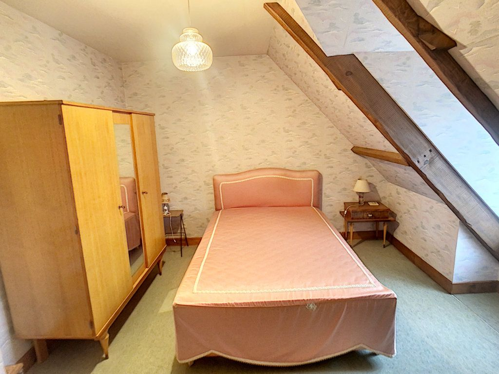 Maison à vendre 4 120m2 à La Chapelle-Montmartin vignette-12