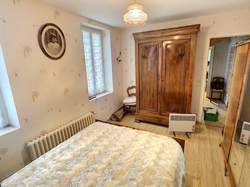Maison à vendre 4 120m2 à La Chapelle-Montmartin vignette-14