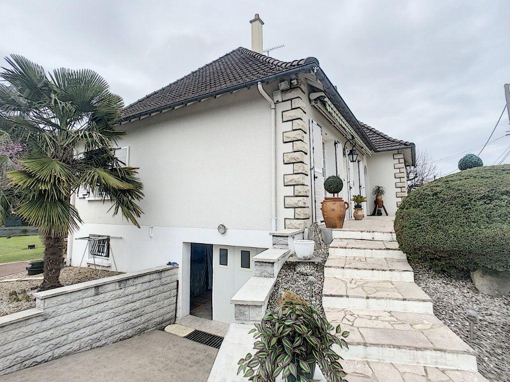 Maison à vendre 5 147m2 à Romorantin-Lanthenay vignette-5