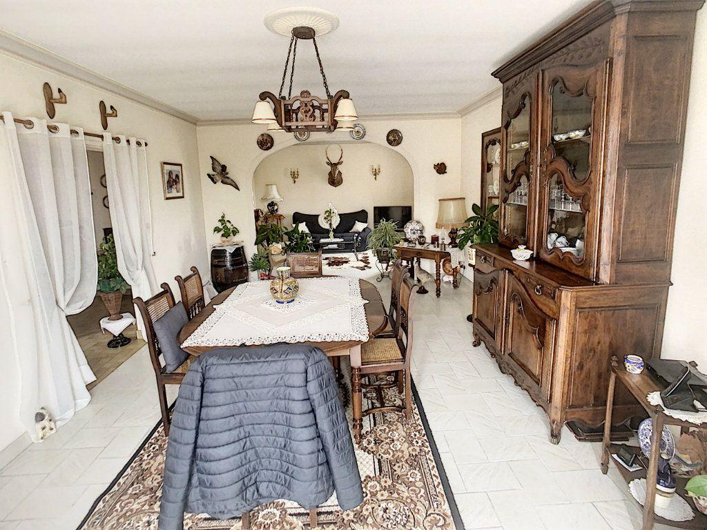 Maison à vendre 5 147m2 à Romorantin-Lanthenay vignette-6