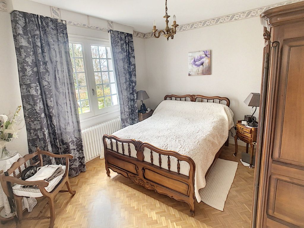 Maison à vendre 5 147m2 à Romorantin-Lanthenay vignette-9