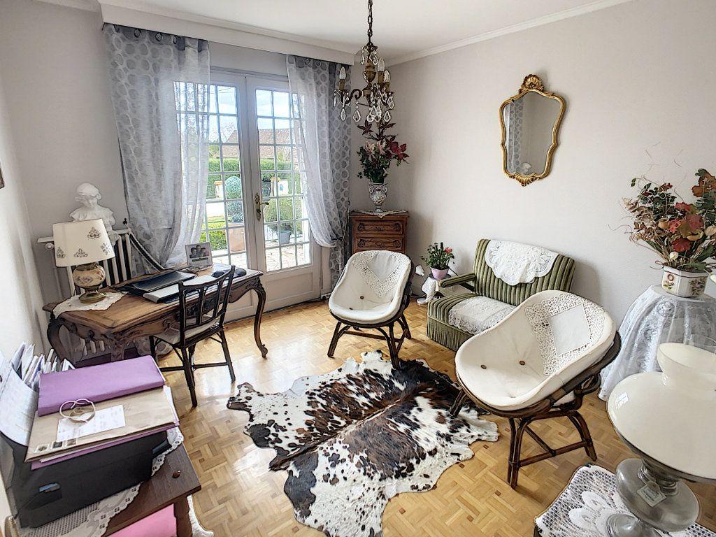 Maison à vendre 5 147m2 à Romorantin-Lanthenay vignette-10