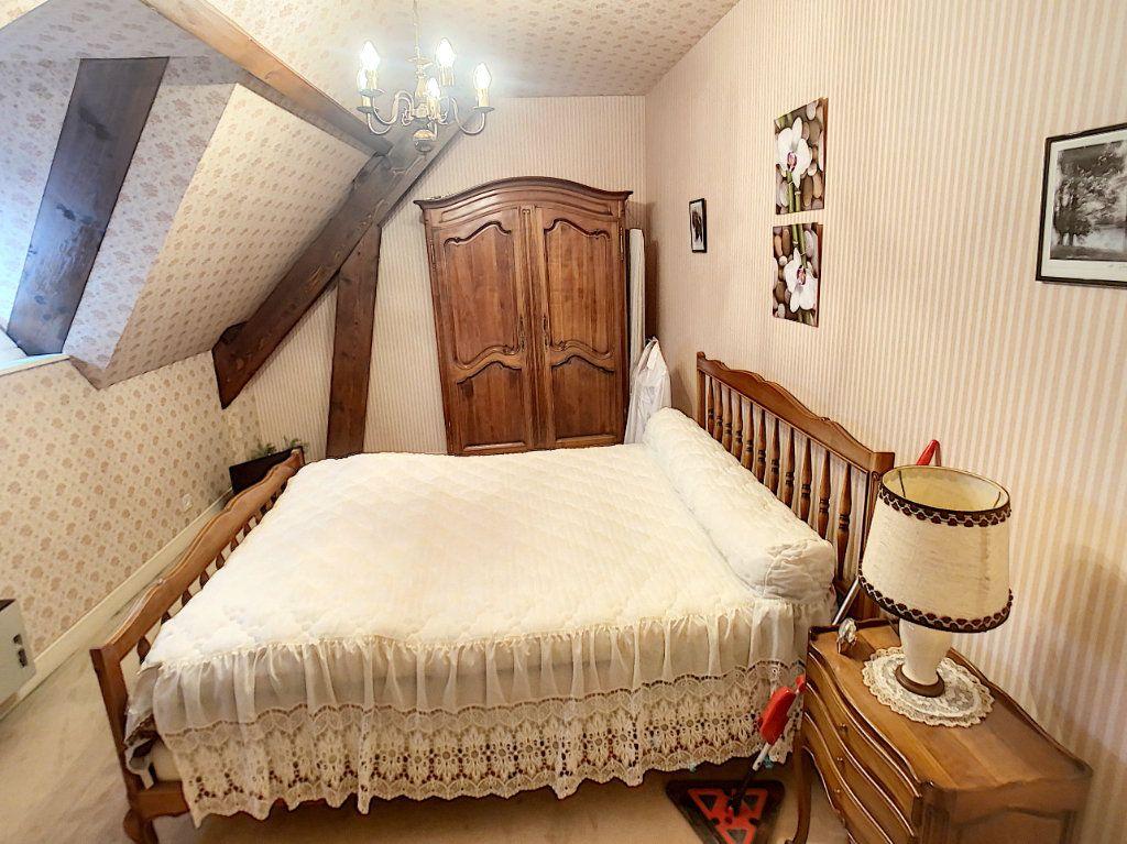 Maison à vendre 5 147m2 à Romorantin-Lanthenay vignette-11