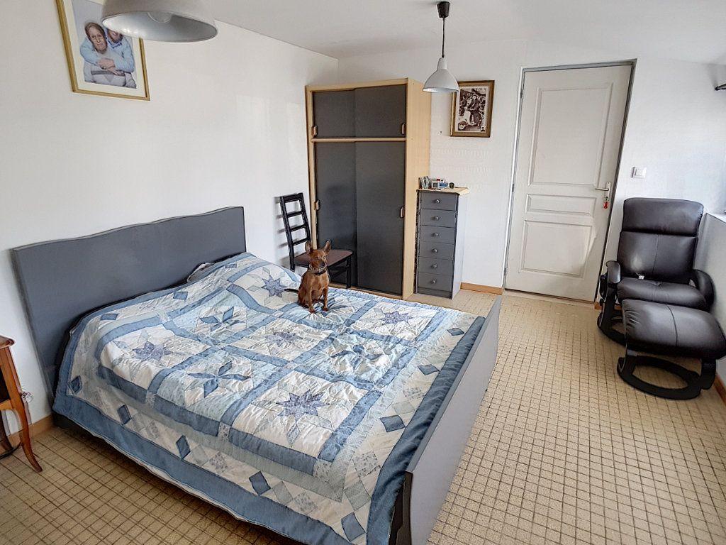 Maison à vendre 5 159.26m2 à Romorantin-Lanthenay vignette-4