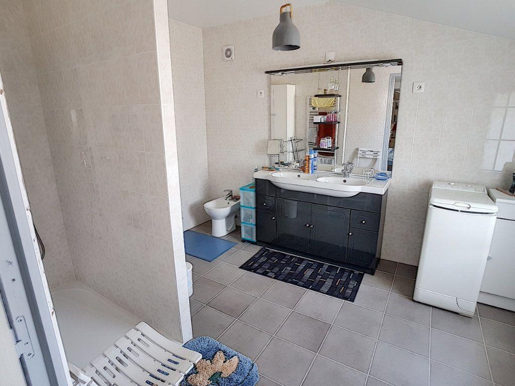 Maison à vendre 5 159.26m2 à Romorantin-Lanthenay vignette-5
