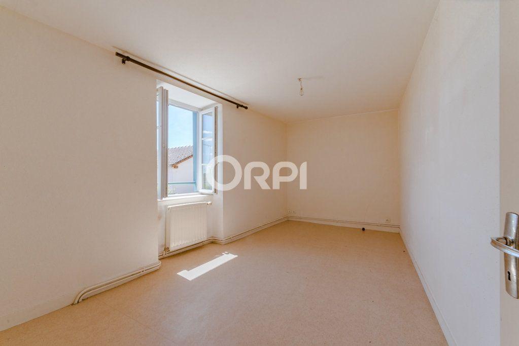 Maison à vendre 9 226m2 à Saint-Germain-les-Belles vignette-7