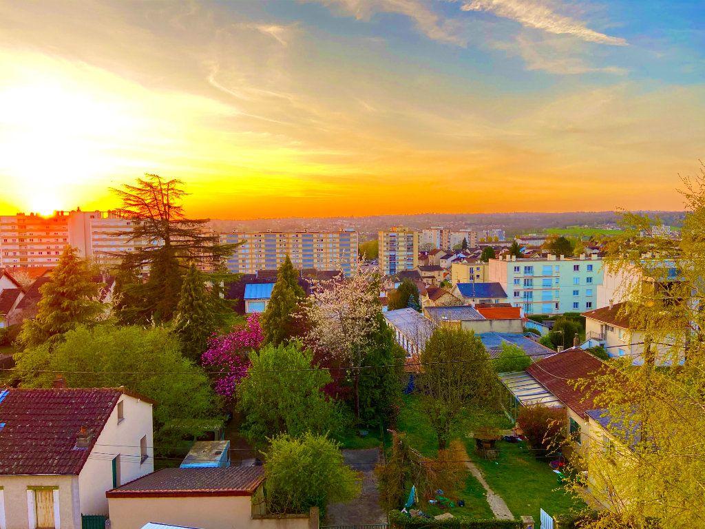 Appartement à vendre 4 68.02m2 à Limoges vignette-1