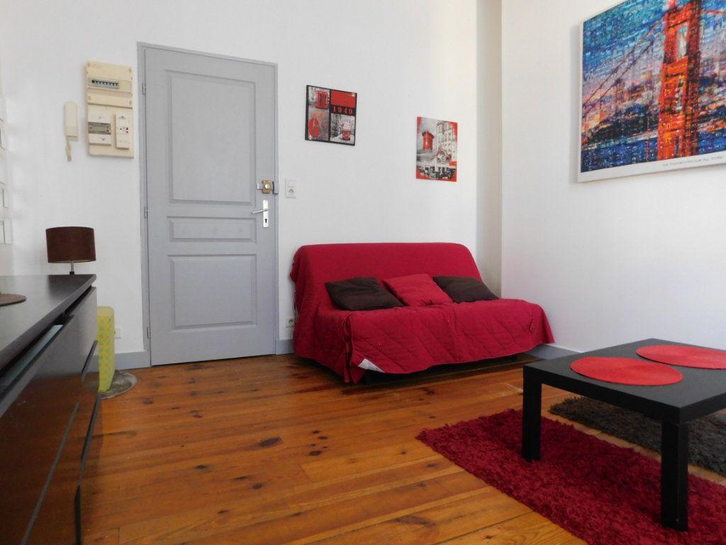 Appartement à louer 1 22m2 à Limoges vignette-1