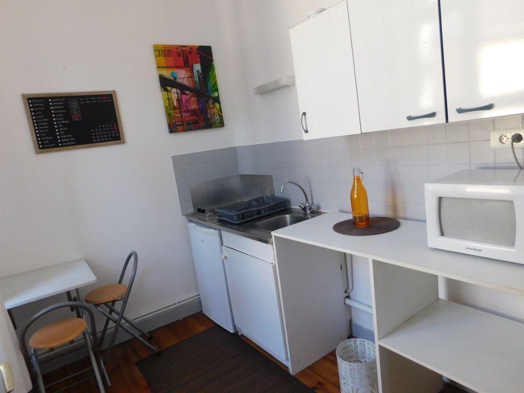 Appartement à louer 1 22m2 à Limoges vignette-3