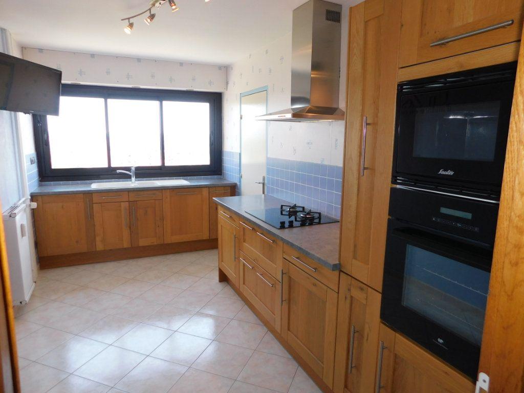 Appartement à louer 4 91m2 à Limoges vignette-1