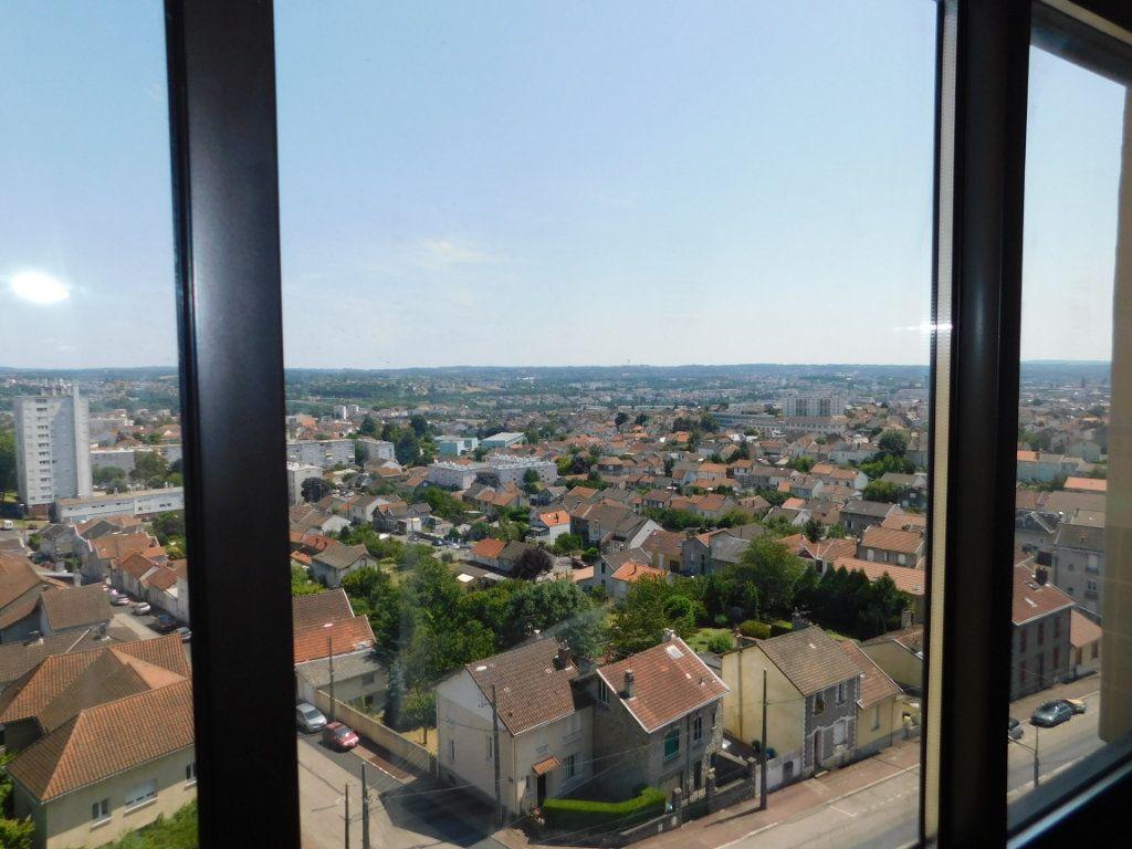 Appartement à louer 4 91m2 à Limoges vignette-4