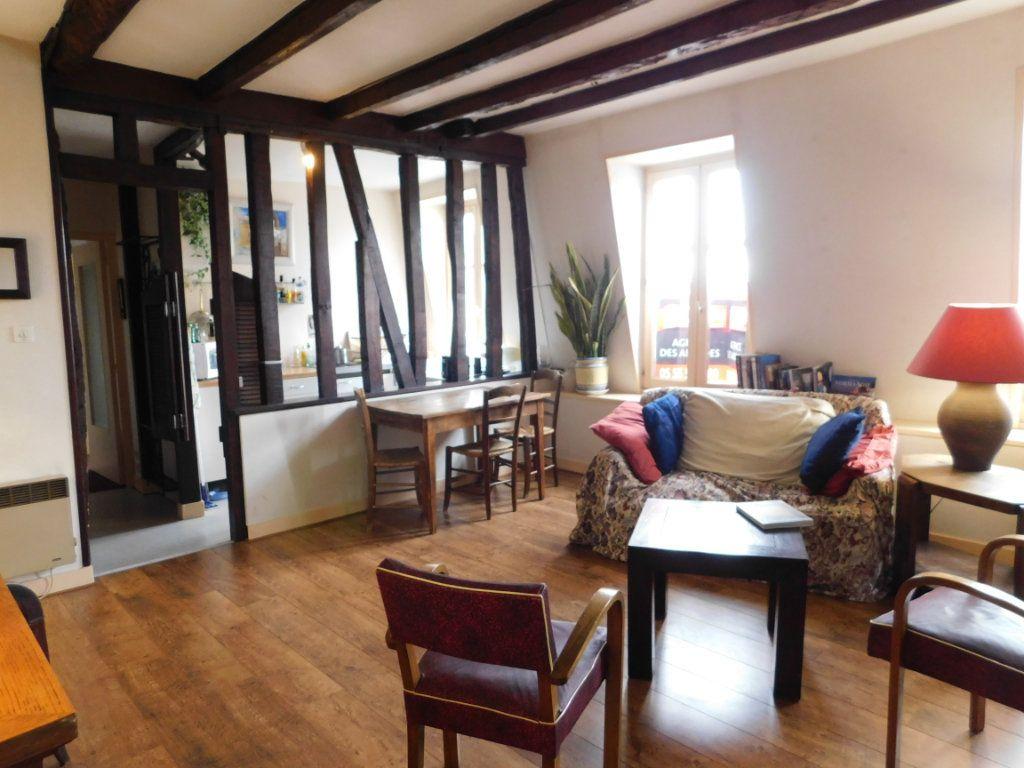 Appartement à louer 2 52.07m2 à Limoges vignette-2