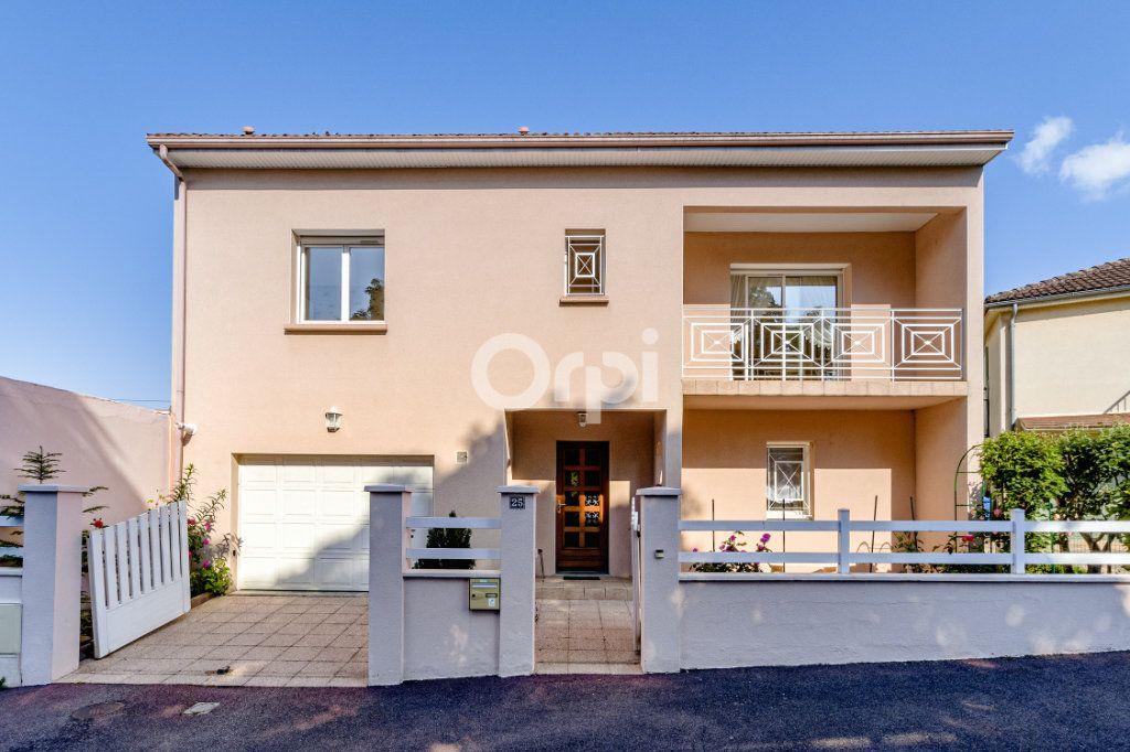 Maison à vendre 5 161m2 à Limoges vignette-3