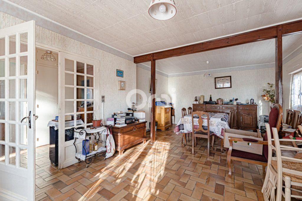 Maison à vendre 5 98.69m2 à Châlus vignette-5