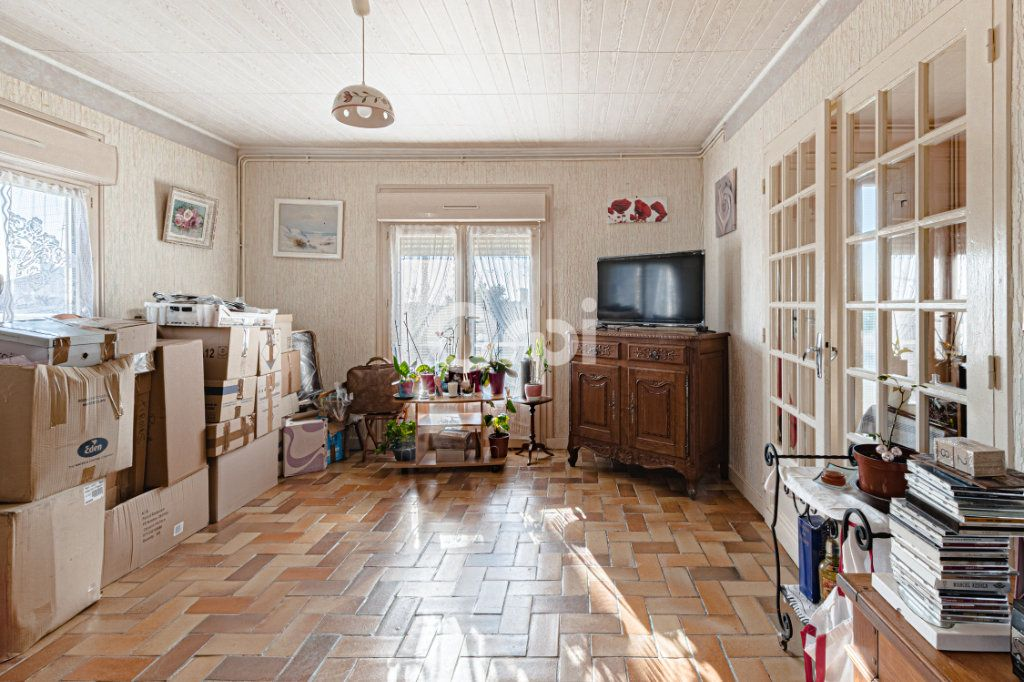 Maison à vendre 5 98.69m2 à Châlus vignette-6