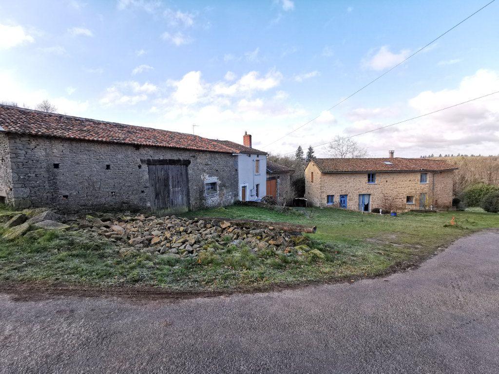Maison à vendre 5 130m2 à Roussac vignette-2
